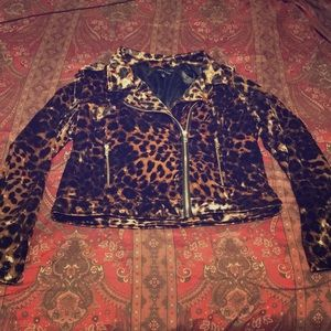 🆕 Leopard Velvet Coat